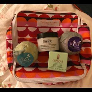 Clinique Trina Turk bag/beach bag/cosmetic samples